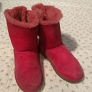 UGG, cute, pink winter boots with bows in back
